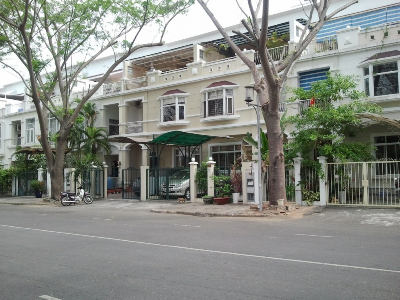 2 ban nha pho vuon my thai 2 mat tien duong 21m thich hop kinh doanh lam van phong